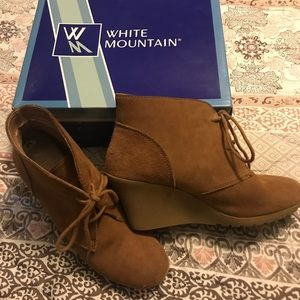 White Mountain Suede booties